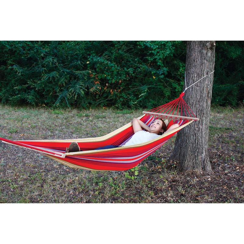 Hammock with Wood Ends and Carrying Case Includes Hanging Kit